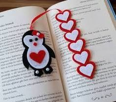 Pinguib-Herz-Lesezeichen crafts for kids for teens to make ideas crafts crafts Felt Bookmark, Bookmark Craft, Diy Bookmarks, Bookmark Ideas, Foam Crafts, Diy And Crafts, Kids Crafts, Paper Crafts, Yarn Crafts