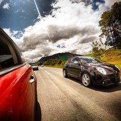 Alfa Romeo MiTo races herself!