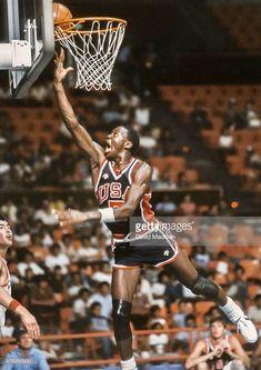 Sports Basketball, Basketball Players, Basketball Court, Jordan 23, Michael Jordan, Watch Nba, Basketball Uniforms, Air Jordan Shoes, Dream Team