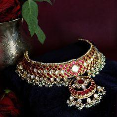 Fulfill a Wedding Tradition with Estate Bridal Jewelry Royal Jewelry, India Jewelry, Gold Jewelry, Photo Jewelry, Jewelry Sets, Diamond Jewelry, Jewlery, Fine Jewelry, Stylish Jewelry