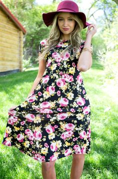 These dress is bound to be the talk of the backyard party this year! Pair with simple sandals and a headpiece for an effortless bohemian look! Or pair with heels and a floppy hat for a more conservative look!