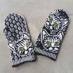 Mittens Pattern, Knit Mittens, Knitting Socks, Double Knitting Patterns, Knitting Projects, Needlework, Knit Crochet, Upcycle, Gloves