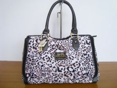 Coach bag from LuLu's Bags @ http://www.facebook.com/Lulusbags