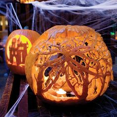 18 Amazing Halloween Pumpkin Carving Ideas
