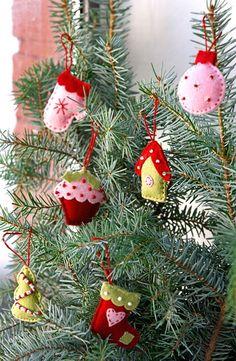 Lav små fine figurer i filt og sæt dit personlige præg på juletræet.