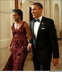 Michelle Obama celebrating Diwali festival in the White House wearing a traditional Naeem Khan Dress