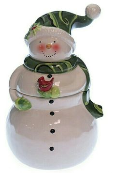 Take a look at this Snowman Cookie Jar by Holiday Tablescape Collection on… Cute Christmas Cookies, Holiday Cookies, Christmas Snowman, Rustic Christmas, Christmas China, Christmas Dishes, Kinds Of Cookies, Cute Cookies, Snowman Images