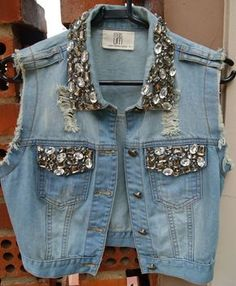 52 Best Ideas for embroidery jeans jacket embellishments Diy Jeans, Embellished Jeans, Embroidered Jeans, Denim And Lace, Gilet Jeans, Moda Jeans, Denim Vests, Denim Jackets, Denim Ideas