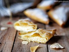 Šátečky s tvarohem – PĚKNĚ VYPEČENÝ BLOG Snack Recipes, Snacks, Garlic, Chips, Vegetables, Food, Snack Mix Recipes, Appetizer Recipes, Appetizers
