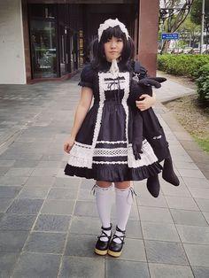 White and black gothic lolita