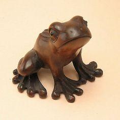 Boxwood Handcrafted Netsuke CARTOON FROG Carving