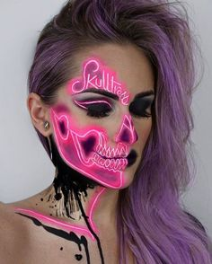 Make Up - This dream-like skeleton makeup will make you want to host a Halloween party mon. Sfx Makeup, Costume Makeup, Makeup Art, Makeup Ideas, Makeup Tips, Makeup Tutorials, Cool Makeup, Alien Makeup, Awesome Makeup