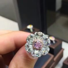 This Is Stunning.... 1ct Fancy Intense Pink With White Diamond Pears Around…