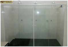 Box em vidro cristal temperado incolor 08mm 4 folhas (2 fixas laterais, 2 móveis centrais)  #box #vidro #trêschuveiros #TRI #cadeirante #alojamento #NeTvidros (41) 3033-2552