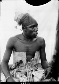 MAMORO, A MANGBETU CHIEF, SON OF DANKA. PORTRAIT 3/4 VIEW. PLASTER CAST OF FACE TAKEN. Locale: RUNGU, CONGO BELGE