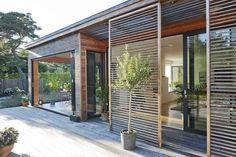 Johan Sundberg ha diseñado Villa Håkansson, una casa orientada a la naturaleza en Suecia.