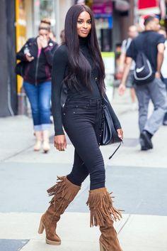 Ciara en total look Polo Ralph Lauren dans les rues de New York, le 11 août 2015