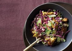 Red Cabbage Salad with Curried Seitan | 330 cal/ serving | 5:2 vegetarian diet recipes | Complex and sophisticated flavors to make your fast day a treat.