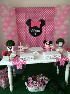 Minnie Mouse Birthday Decorations, Minnie Mouse Balloons, Minnie Mouse Pink, Mickey Mouse Birthday, Minnie Mouse Party, Winter Onederland Party Girl 1st Birthdays, 3rd Birthday Parties, Barbie, Minnie Mouse 1st Birthday