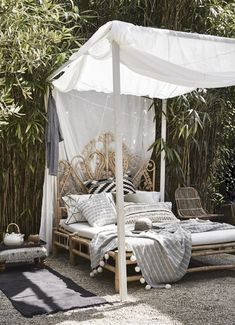 7 Daydreaming: Outdoor Beds !