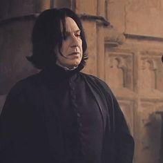 I was scared tonight. I thought I might lose you. Harry Potter Severus Snape, Severus Rogue, Harry Potter Fan Art, Harry Potter Characters, Harry Potter World, Slytherin, Hogwarts, Alan Rickman Severus Snape, Harry Potter Outfits