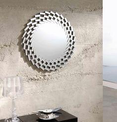 espejo decorativo redondo de cristal con marco formado de pequeas lunas biseladas cm x cm