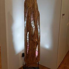 Ein besonderes Einzelstück aus Treibholz und Glas welches mit LED wunderbare Lichteffekte erzielt. Lighting, Home Decor, Driftwood, Arts And Crafts, Sculptures, Corning Glass, Decoration Home, Room Decor, Lights