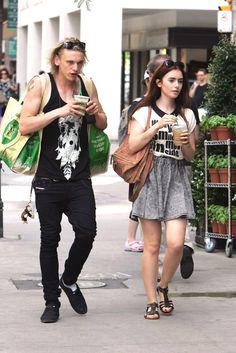 lily collins and jamie campbell bower the mortal instruments on set photos | The Mortal Instruments News en Español: Lily Collins y Jamie Campbell ...
