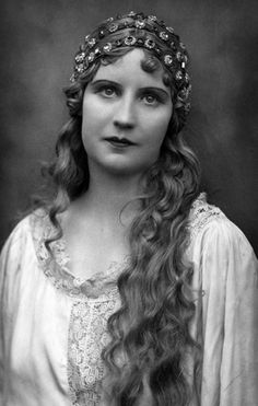 Kirsten Maalfrid Flagstad (1895-1962) was the greatest Norwegian dramatic soprano, regarded by many as the world's greatest Wagnerian soprano voice, and one of Norway's most famous women.