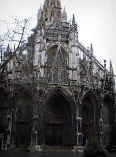Rouen: Saint-Maclou church of Flamboyant Gothic style - France-Voyage.com