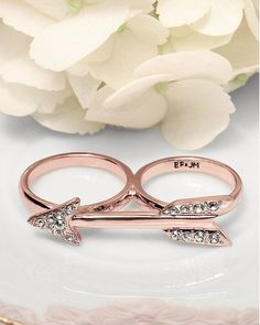 Double Knuckle Arrow Ring