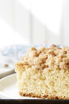 Sourdough Cinnamon Crumb Cake A crown of buttery cinnamon crumbs nicely balances the tang of sourdough in this unique take on a classic crumb coffee cake. Cinnamon Crumb Cake, Crumb Coffee Cakes, Crumb Cakes, Baking Recipes, Cake Recipes, Dessert Recipes, Baking Desserts, Cake Baking, Brunch Recipes