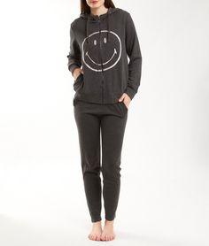 SMILEY Veste molletonnée imprimée smiley. Pour garder le smile en dormant ! 27,90 € -30% à Etam  Cumulez les offres avec Esioox.fr :http://bit.ly/1wuzrT6