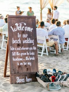 DIY beach-themed decorations for wedding ceremony and rception