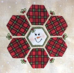 cute quilt block Hexagon Quilt, Quilt Block Patterns, Square Quilt, Quilt Blocks, Christmas Blocks, Christmas Sewing, Christmas Quilting, Christmas Crafts, Xmas