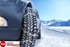 Łańcuchy śniegowe zwane również łańcuchami antypoślizgowymi to ostateczna i niezwykle skuteczna broń kierowców w walce ze śniegiem i lodem na drodze. Korzystamy z nich rzadko, jednak warto wiedzieć, jak poprawnie zakładać łańcuchy śniegowe?  #opony #poradnik #lancuchy  https://www.motointegrator.pl/s/jak-zakladac-lancuchy-sniegowe/