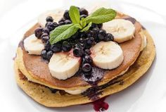 The Daily Meal explains how pancakes and health food can be used in the same sentence with its Healthy Banana Bread Pancake recipe. Banana Bread Pancakes Recipe, Gluten Free Pancakes, Healthy Banana Bread, Protein Pancakes, Protein Foods, Vegan Pancakes, Veggie World, Healthy Snacks, Healthy Recipes