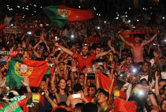 (13) #OBRIGADOPORTUGAL hashtag on Twitter Portugal, European Championships, Hashtags, Conversation, Join, Twitter, People, Championship Football, People Illustration