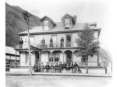 New Windsor Hotel, Silver Plume :: Western History Windsor Hotel, New Windsor, Old West Town, Old House Dreams, Victorian Homes, Old Pictures, Wild West, Historical Photos, Rocky Mountains
