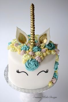 Emmas KakeDesign: Unicorn cake! www.emmaskakedesign.blogspot.com