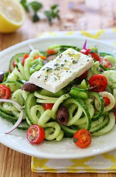 Missing Corfu and greek salad- going to try this tonight! Spiralized Greek Cucumber Salad with Lemon and Feta from Skinnytaste Healthy Recipes, Salad Recipes, Vegetarian Recipes, Cooking Recipes, Ww Recipes, Veggie Recipes, Delicious Recipes, Recipies, Zoodle Recipes