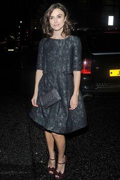 Keira Knightley en Chanel automne-hiver 2012-2013, à loccasion du vernissage de lexposition The Little Black Jacket à Londres