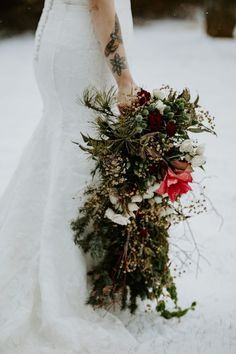 Bud Bloom Winter Bouquet Ideas Style Photo Session Winter Wedding