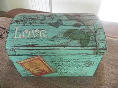 Resultado de imagen para baules vintage Decoupage Box, Decoupage Vintage, Diy Wood Box, Wooden Boxes, Vintage Paris, Vintage Box, Cigar Box Projects, Foto Transfer, Prayer Box