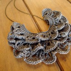 I love crochet jewelry. Crochet Bib, Crochet Collar, Love Crochet, Crochet Scarves, Beautiful Crochet, Crochet Crafts, Yarn Crafts, Crochet Flowers, Crochet Stitches
