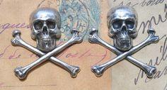 Two medium brass skulls, Sterling Silver Finish $4.50 #thecraftstar #skulls #skullandcrossbones #craftsupplies #sterlingcoated