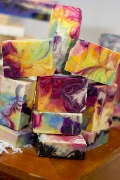 Cómo hacer que su primer lote de jabón casero |  DIY jabón proceso en frío