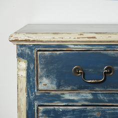 This old solid pine chest has a new look from Boulder Blue Studio. Painted in a 'shabby chic' style with layers of latex paint of indigo blue and cream accents sanded to create a distressed look. Shabby Chic Bedrooms, Shabby Chic Homes, Shabby Chic Style, Shabby Chic Decor, Distressed Furniture, Shabby Chic Furniture, Painted Furniture, Indigo Walls, Upcycle Home