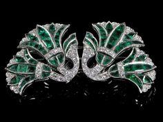 Emerald & Diamond Lotus Flower Clips - Moira Fine Jewellery - Moira Fine Jewellery Art Deco Jewelry, High Jewelry, Jewelry Ideas, Jewelry Design, Lotus Jewelry, Diamond Jewelry, Antique Jewelry, Vintage Jewelry, Emerald Isle