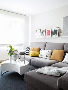 Trendy Home Decored Cheap Apartments Couch Ideas Home Bar Furniture, Furniture Design, Sofa Gris, Apartment Couch, Apartment Therapy, Bedroom Wall Colors, Ikea, Trendy Home, Room Decor